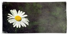 Lonesome Daisy Beach Towel