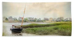 Low Tide On The Basin Beach Towel