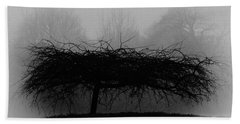 Middlethorpe Tree In Fog Bw Beach Towel