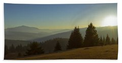 Mountain Panorama At Sunset With Beautiful Sun Glare Beach Sheet