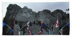 Mt. Rushmore In The Evening Beach Towel