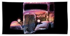Old Antique Classic Car Beach Towel