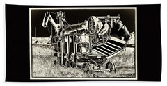 Old Case Thresher - Black And White Beach Towel