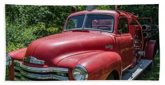 Old Chevy Fire Engine Beach Sheet by Susan  McMenamin