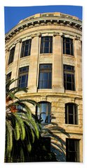 Old Courthouse-new Orleans Beach Towel
