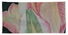 Parrot Tulip Beach Towel