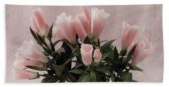 Beach Sheet featuring the photograph Peach Godetia Bouquet by Sandra Foster