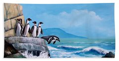Pinguinos De Humboldt Beach Towel