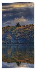 Rayons D'automne Beach Towel