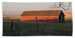 Red Granary Barn Beach Sheet