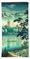 Shinobazu Pond Beach Towel