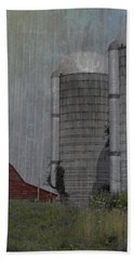 Silo And Barn Beach Towel