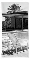 Sinatra Pool Bw Palm Springs Beach Sheet by William Dey
