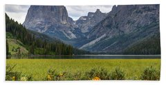 Squaretop Mountain And Upper Green River Lake  Beach Towel