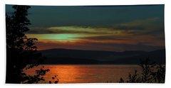 Sun Sets On Winnisquam Beach Sheet by Mim White