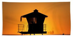Beach Towel featuring the photograph Sunburst by Tammy Espino