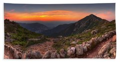Sunset On Franconia Ridge Beach Towel