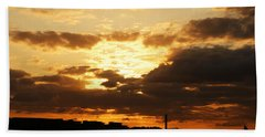 Sunset Over The Thames From Greenwich Beach Towel