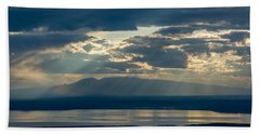 Sunset Rays Over Mount Susitna Beach Sheet by Andrew Matwijec