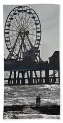 Surfer And Lovers At Pleasure Pier Beach Sheet