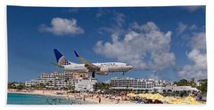 United Low Approach St Maarten Beach Towel by David Gleeson