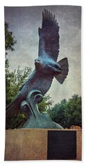 Unt Eagle In High Places Beach Towel