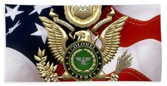U. S. Army Colonel - C O L Rank Insignia Over Gold Great Seal Eagle And Flag Beach Towel