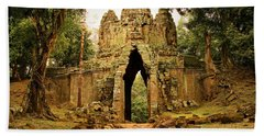West Gate To Angkor Thom Beach Sheet