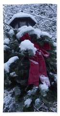 Winter Wreath Beach Towel
