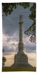 Yorktown Victory Monument Beach Towel