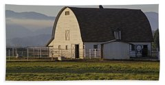 Beach Towel featuring the photograph Classic Barn Near Grants Pass by Mick Anderson