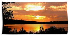 Horn Pond Sunset 2 Beach Towel