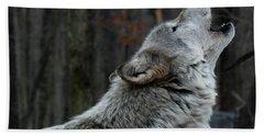 Howling Tundra Wolf Beach Towel
