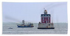 New London Ledge Lighthouse. Beach Towel