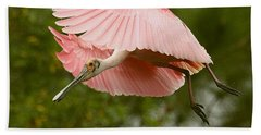 Roseate Spoonbill In Flight Beach Sheet by Myrna Bradshaw