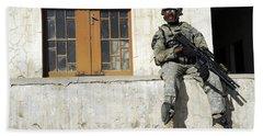 U.s. Army Soldier Visiting An Iraqi Beach Towel