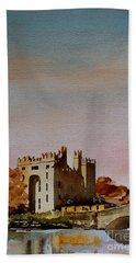 Bunratty Castle, Clare Beach Towel
