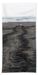 Green Sea Turtle Returning To Sea Beach Towel