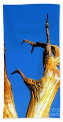New Orleans Bird Tree Sculpture In Louisiana Beach Towel