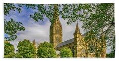 Salisbury Cathedral, Uk Beach Towel