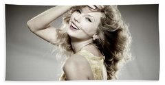 14371 Taylor Swift Women Singer Hands On Head Beach Towel