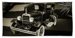 1930 Ford Model A Original Sedan 5538,16 Beach Towel