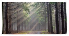 God Beams - Coniferous Forest In Fog Beach Sheet