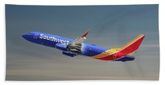 Southwest Airlines Boeing 737-8h4 Beach Towel