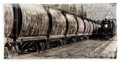 2816 Empress Passing Grain Beach Towel