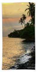 Lahaina Sunset Beach Sheet by Kelly Wade