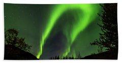 Northern Lights, Aurora Borealis At Kantishna Lodge In Denali National Park Beach Sheet