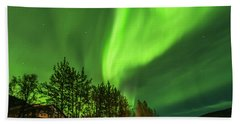 Northern Lights, Aurora Borealis At Kantishna Lodge In Denali National Park Beach Towel