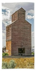 Beach Towel featuring the photograph Abandoned Grain Elevator by Sue Smith