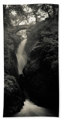 Aira Force - Black And White Beach Sheet